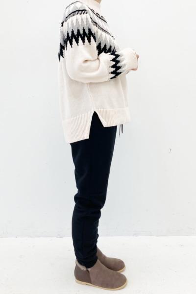 フェリシモ 【裏ボアパンツ】リブ イン コンフォート 暖かさこたつ級! 立体シルエットの裏ボアカットソーパンツ〈ブラック〉