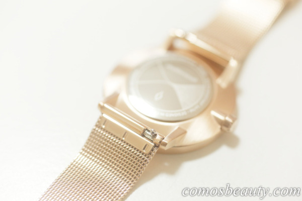 Nordgreen(ノードグリーン)の腕時計 Philosopher(フィロソファー)ストラップの交換方法